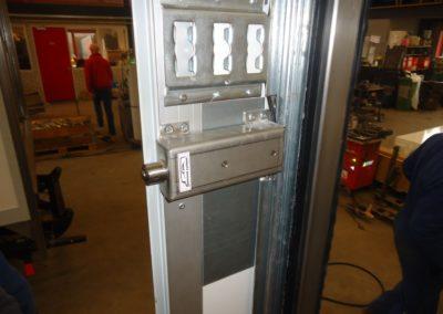 Van Wijk Doorlock systems-laadruimte-beveiliging-bakwagen-zijdeur